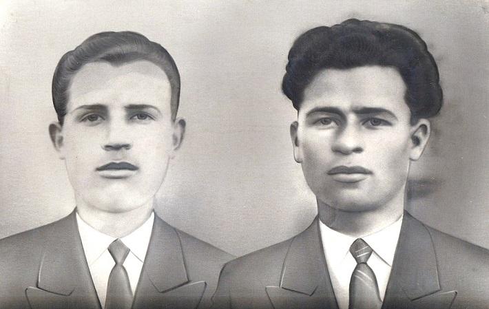 Τα αδέρφια Γεώργιος και Δημήτριος Βασιλείου Δεμερτζή ή Κουριτά. Ο πρώτος έπεσε μαχόμενος στις τάξεις του ΕΛΑΣ. Ο δεύτερος συνελήφθη από τους ναζί το 1942 και στάλθηκε στη Γερμανία, όπου χάθηκαν για πάντα τα ίχνη του.