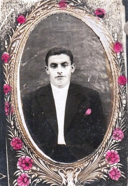 Λαδιέλης Ευστράτιος του Γρηγορίου. Έπεσε στη μάχη Καλυβάτσι Αλβανίας την 7-1-1941.