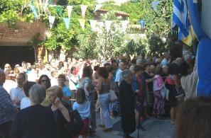 Κοσμοπλημμύρα στην εκκλησία της Παναγίας ανήμερα της γιορτής της.
