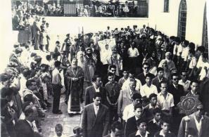 Περιφορά της Εινόνας της Παναγίας στις 15-8-1960 (φωτό Παναγιώτη Ηλ. Ψυρούκη).