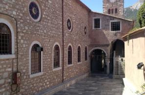 Η βόρεια πλευρά του Ιερού Ναού.