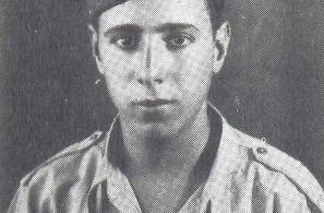 Χρυσής Παναγιώτης του Ευστρατίου. Έπεσε στις επιχειρήσεις Ριτσιόνε Ιταλίας την 12-9-1944.