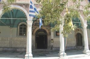 Η κύρια είσοδος του Ναού.