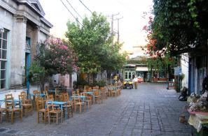 Η γραφική Πλατεία Αγοράς, ο αφαλός του χωριού.